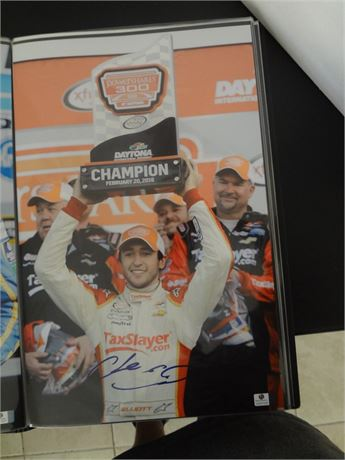 chase elliott   signed 11x17 glossy photo #1