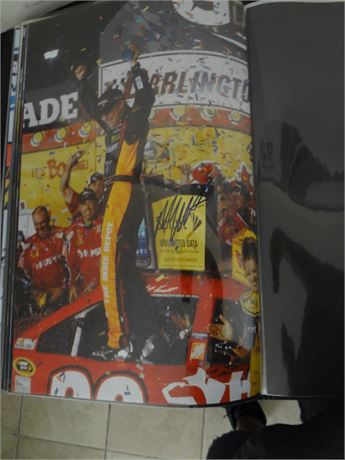 matt kenseth    signed 11x17 glossy photo
