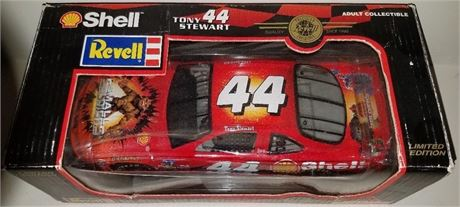 TONY STEWART SMALL SOLDIERS #44 PONTIAC SHELL DISPLAY BOX 1/24