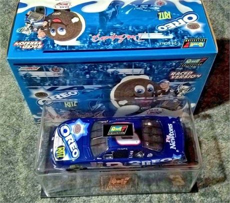 2002 DALE EARNHARDT JR OREO RITZ RACED VERSION 1/24 DIECAST NEW IN BOX