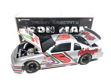 1996 TERRY LABONTE #5 KELLOGG'S IRON MAN 1/24 DIECAST IN BOX FREE SHIP