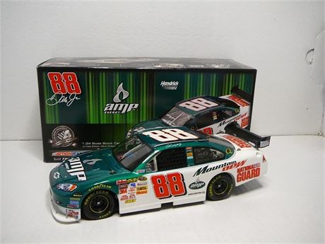 2008 DALE EARNHARDT JR #88 AMP ENERGY MOUNTAIN DEW 1/24 NEW IN BX
