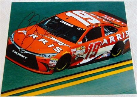 CARL EDWARDS 8 X 10 SIGNED PHOTO