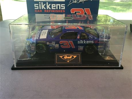 1998 DALE EARNHARDT JR #31 SIKKENS 1/18 BY REVELL IN BOX