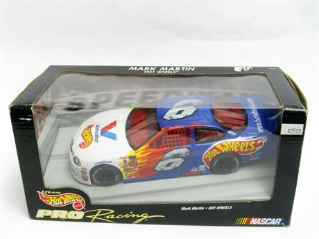 MARK MARTIN #6 HOT WHEELS VALVOLINE 1/24 DIECAST NEW FREE SHIP