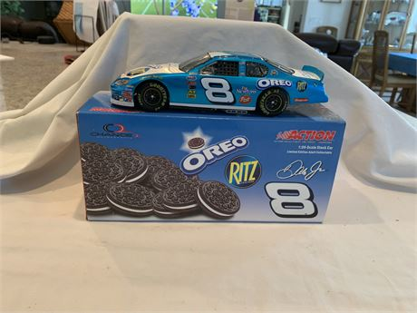 Earnhardt Jr #8 Oreo/Ritz Action 2004 Diecast- New